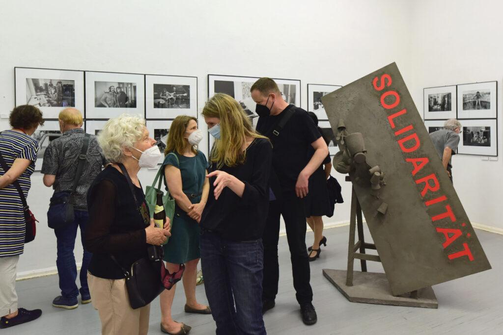 Ausstellungseröffnung Wenn die Nacht am tiefsten, Ton Steine Scherben, Browse Gallery, Sabine Drwenzki, Foto: Sönke Tollkühn